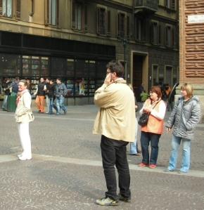 Romano con Tiziana e sue amiche a Torino