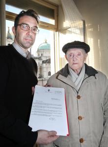 Lettera di auguri del sindaco Fassino, a me indirizzata, per il sig. Torre Giuseppe