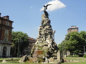 Piazza Statuto. Torino. Foto Romano Borrelli