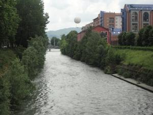 Torino. La Dora, la Biblioteca, la mongolfiera.