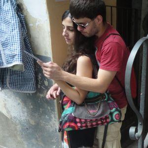 Torino 22 giugno 2014. Via dei Mercanti 3. in ascolto. Foto, Romano Borrelli