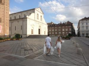 Torino 29 giugno 2014. Duomo. Verso Piazza San Carlo, per la tavola in...bianco. Foto, Romano Borrelli