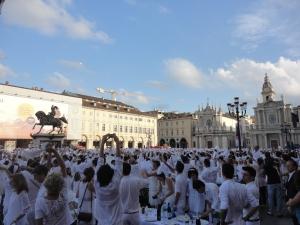 Torino 29 giugno 2014. Piazza San Carlo. Tavola in...bianco. Foto, Borrelli Romano