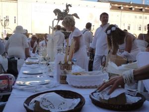 Torino 29 giugno 2014. Piazza San Carlo. Tavola in...bianco. Foto, Romano Borrelli