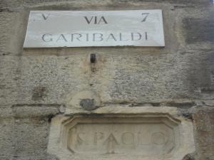 Torino. Via Garibaldi. Tra vecchio e nuovo. Foto, Romano Borrelli