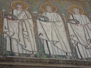 Ravenna 20 luglio 2014. Sant'Apollinare Nuovo. Gruppo maschile, lato opposto al gruppo femminile. Foto, Romano Borrelli.