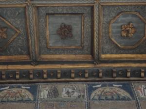 Ravenna. Sant'Apollinare Nuovo. Mosaico, Il Cristo davanti a Ponzio Pilato. Foto, Romano Borrelli