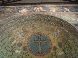 Sant'Apollinare in Classe. Gli evangelisti, verso il Cristo e la mano del Padre. Foto, Romano Borrelli
