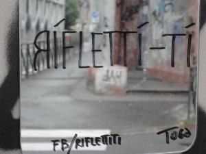 Torino. Spuntano specchi. Rifletti-ti-To. Foto, Romano Borrelli