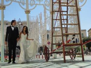 Lecce 26 agosto 2014. Piazza Sant'Oronzo. Sposi. Foto, Romano Borrelli