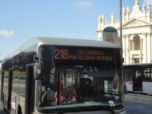 Roma. 27 agosto 2014. Da Piazza San Giovanni verso le Catacombe. Il bus 218. Foto, Romano Borrelli