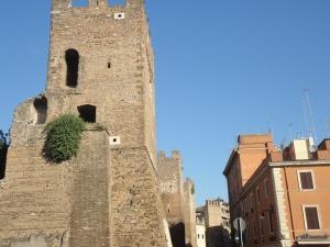 Roma 27 agosto 2014. Porta San Lorenzo. Foto, Romano Borrelli