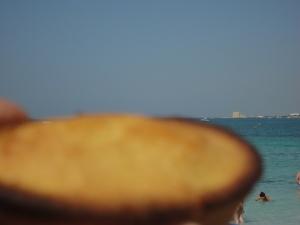 Torre Lapillo, Lecce. Il pasticciotto di primo mattino. Foto, Romano Borrelli