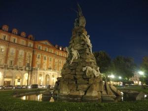 Torino, 22 ottobre 2014. Piazza Statuto. Foto, Romano Borrelli