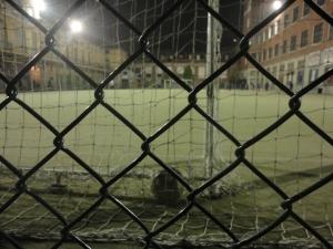 Torino 30 ottobre 2014. Ore 19.00 Pallone in rete, presso Oratorio Valdocco, Torino. Foto, Romano Borrelli.