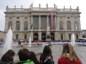 Torino 16 novembre 2014. La maratona. Piazza Castello. L'arrivo. Foto, Romano Borrelli