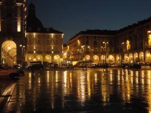 Torino, 21 novembre 2014. Porta Palazzo di sera. Foto, Romano Borrelli