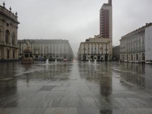 Torino 1 dicembre 2014, Piazza Castello sotto la pioggia, foto, Romano Borrelli
