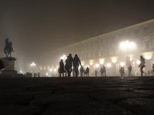 Torino 20 dicembre 2014, piazza San Carlo nella nebbia, foto, Romano Borrelli