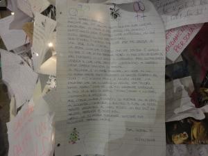 Torino 25 dicembre 2014, atrio stazione Porta Nuova, letterine sull'albero, foto, Romano Borrelli