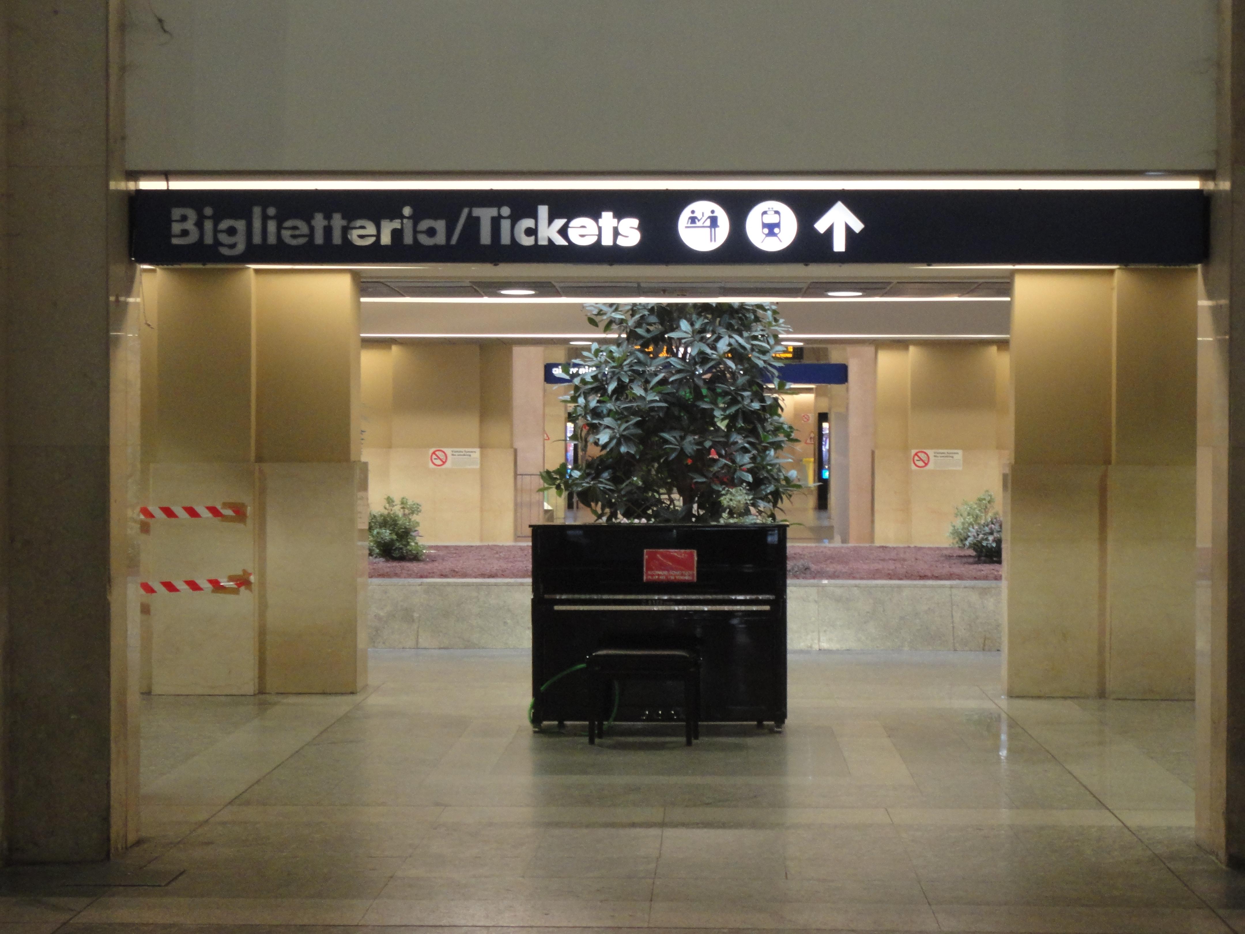 Lennon il blog di romano borrelli - Torino porta nuova stazione ...